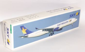 Airbus A330-300 Skymark Airlines Risesoon / Skymarks Collectors Model 1:200  E